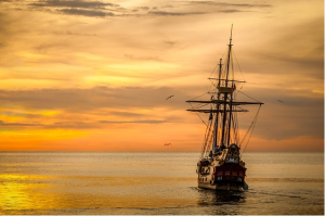 https://pixabay.com/en/sunset-boat-sea-ship-675847/