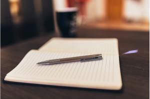 https://pixabay.com/en/notepad-pen-paper-writing-business-926046/