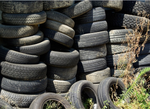 https://pixabay.com/en/tires-waste-disposal-recycling-904945/