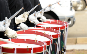 https://pixabay.com/en/drummers-drums-soldiers-historic-642540/