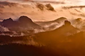 morning-sunrise-in-the-alps